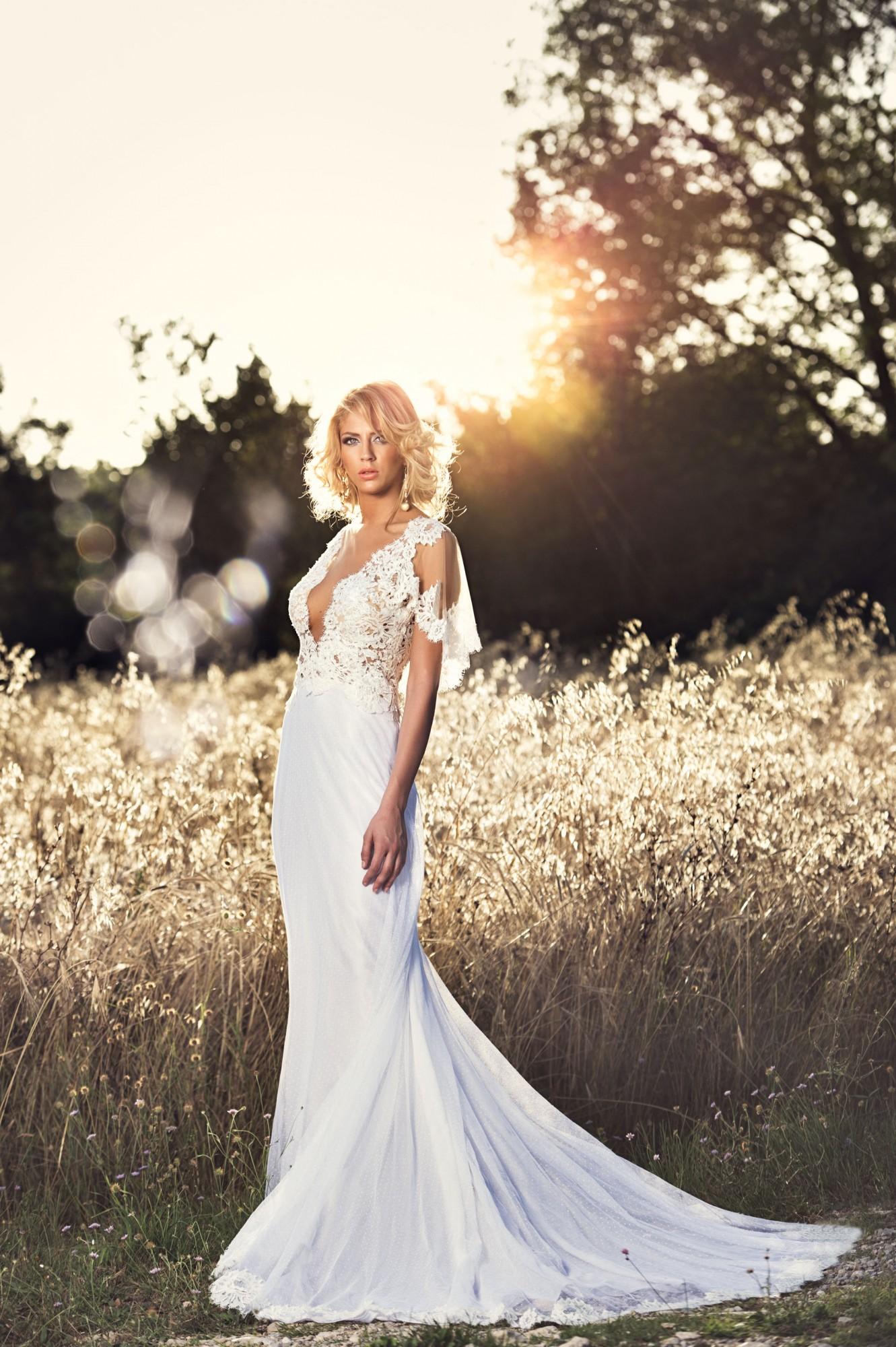 Pourquoi choisir une robe créée sur mesure pour son mariage ?
